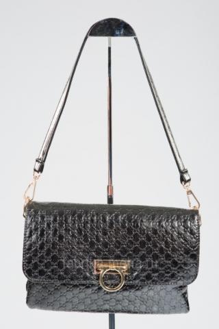 Подарок к 8 марта – брендовая сумка