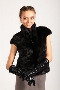 Меховой жилет: стильно и очень удобно!