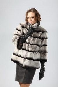 Меховые жилеты из чернобурки – тепло и модно