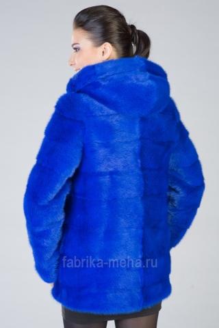 «Королевский синий» и другие цвета – в новой коллекции от «Фабрики меха»