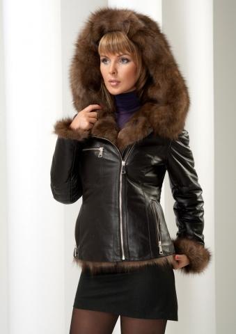 Кожаные куртки на мехе куницы – мода, с которой не холодно