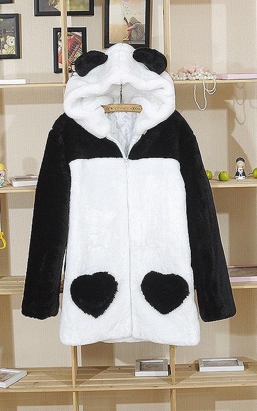 Модная расцветка «панда» - новые мутоновые шубы в нашем магазине